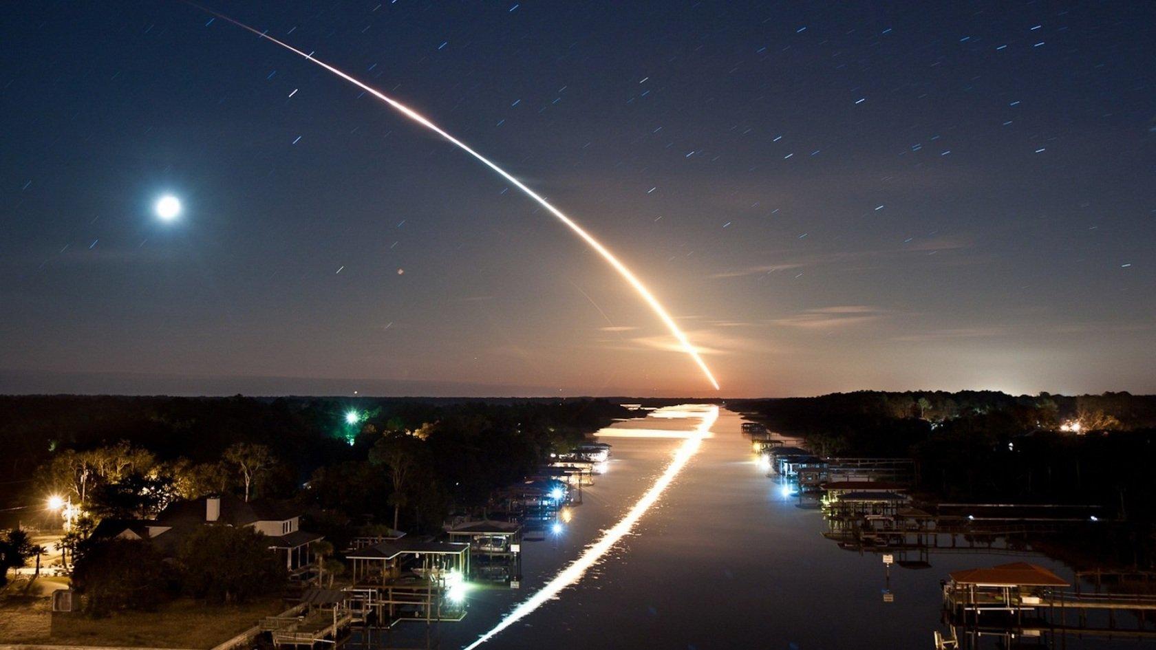 Asteroide em colisão