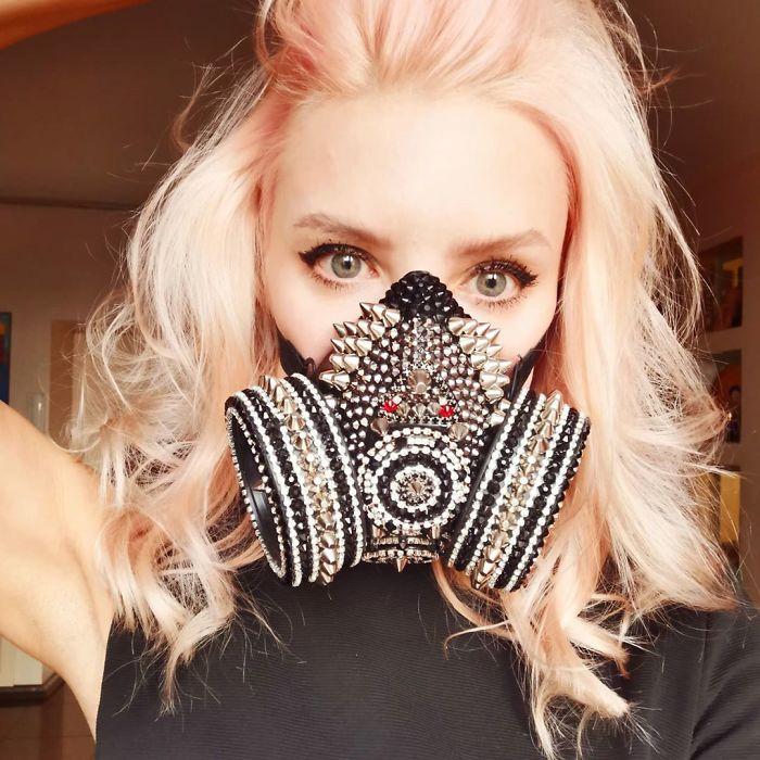 Máscara com jóias