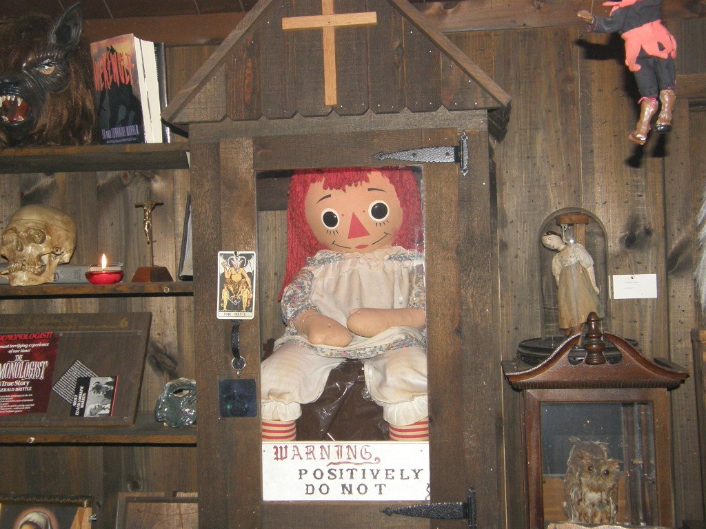Fotografia da verdadeira boneca Annabelle