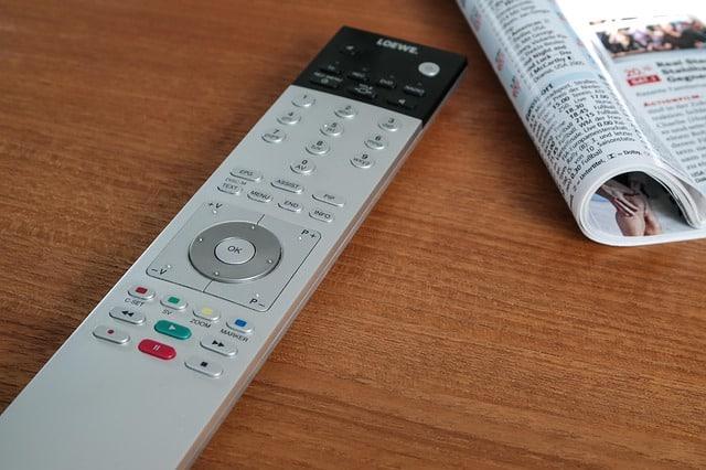 remote control 825597 640