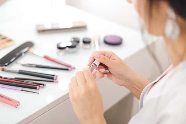 lipstick 4743984 640